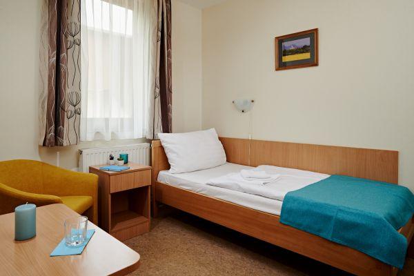hotel1-00826B91A3241-6E04-3DEE-2F4C-84158C5C797E.jpg